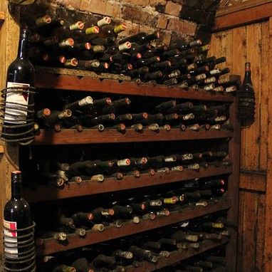 wine-cellar-573833_640